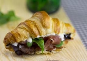 Desayuno_22-croissant-relleno