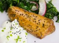 Sentado_07-salmon-teriyaki-con-espinacas-salteadas