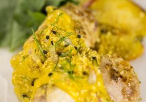 Sentado_08-pollo-relleno-con-curry-ligero
